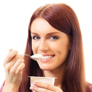 yoghurt-to-keep-your-skin-healthy
