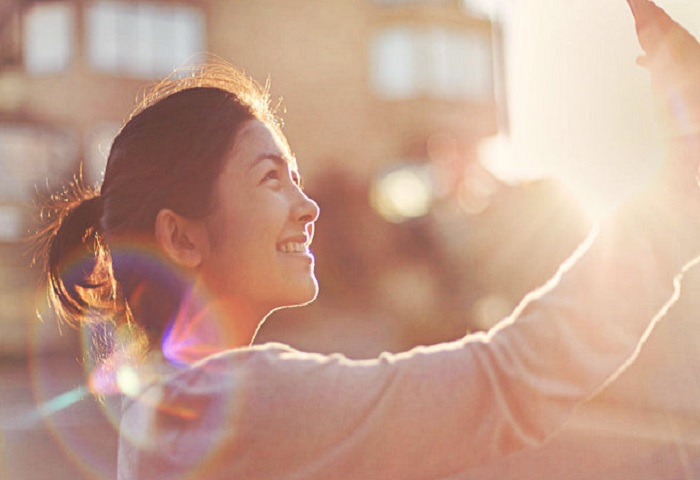 5 High-Yield Ways to Be Happier and Healthier on Social Media