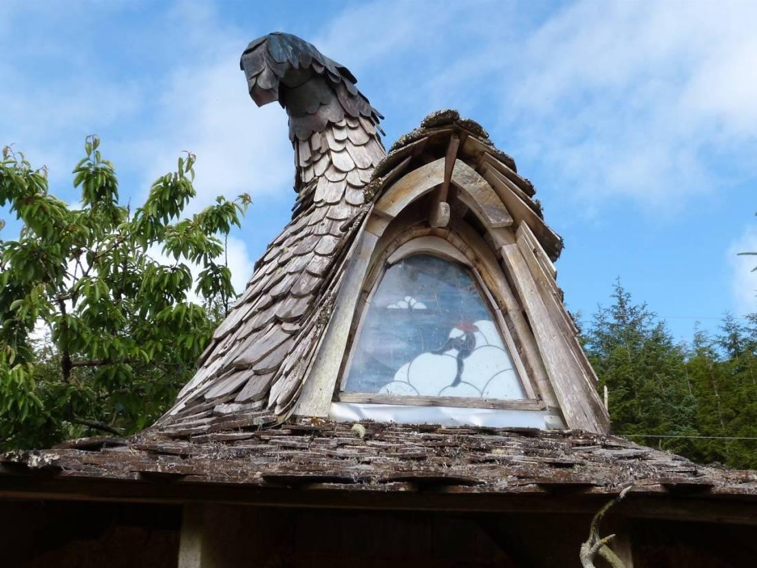 Hobbit House Tree-Stump-2