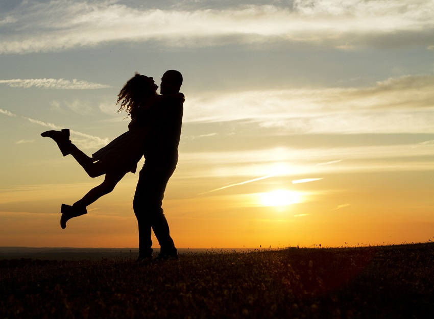 Wierd Things Couples in Long-Term Relationships Do