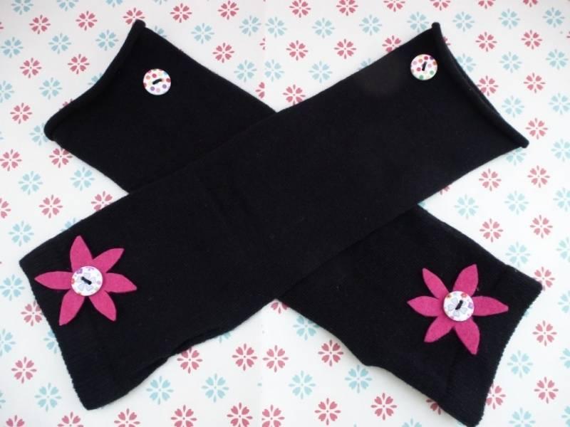 15. Long sleeved gloves