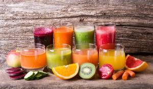 Benefits of Juicing Blending Infographic