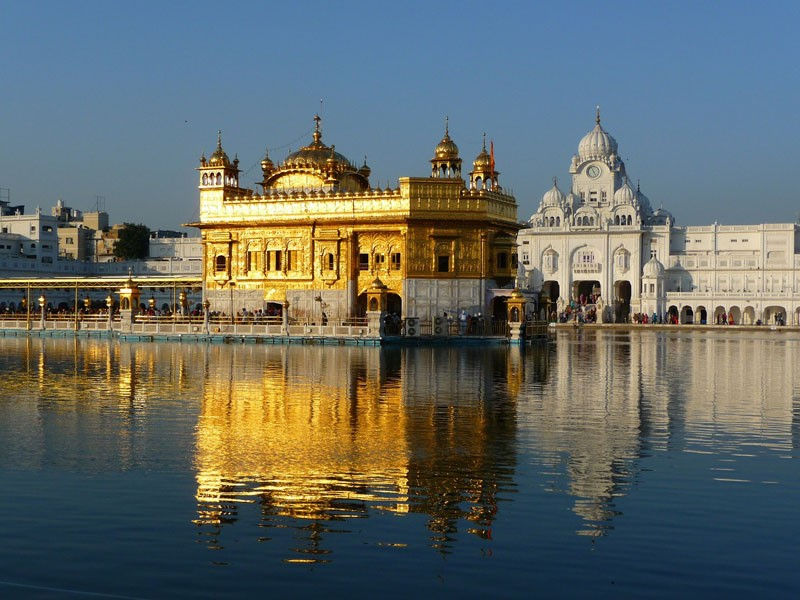 Cities in India - Golden temple Photo by cascayoyo