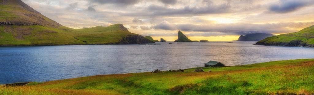 A view onto Tindhólmur