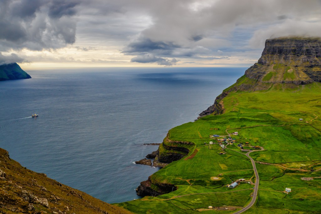 View onto Gásadalur from Skarð