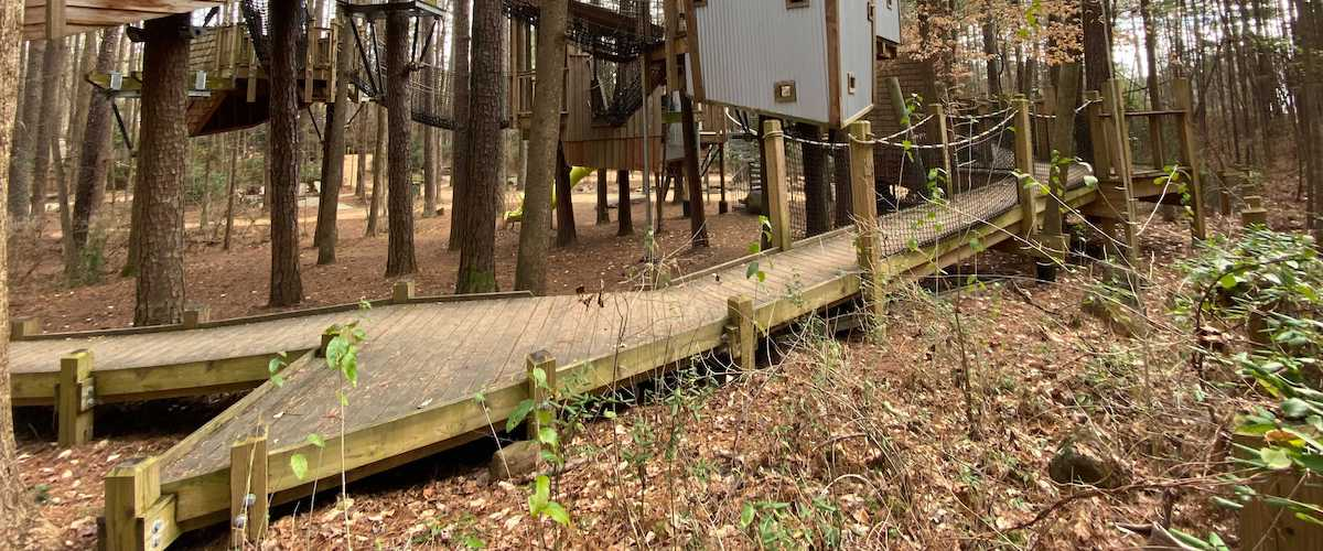Image of wheelchair ramp in Hideaway Woods