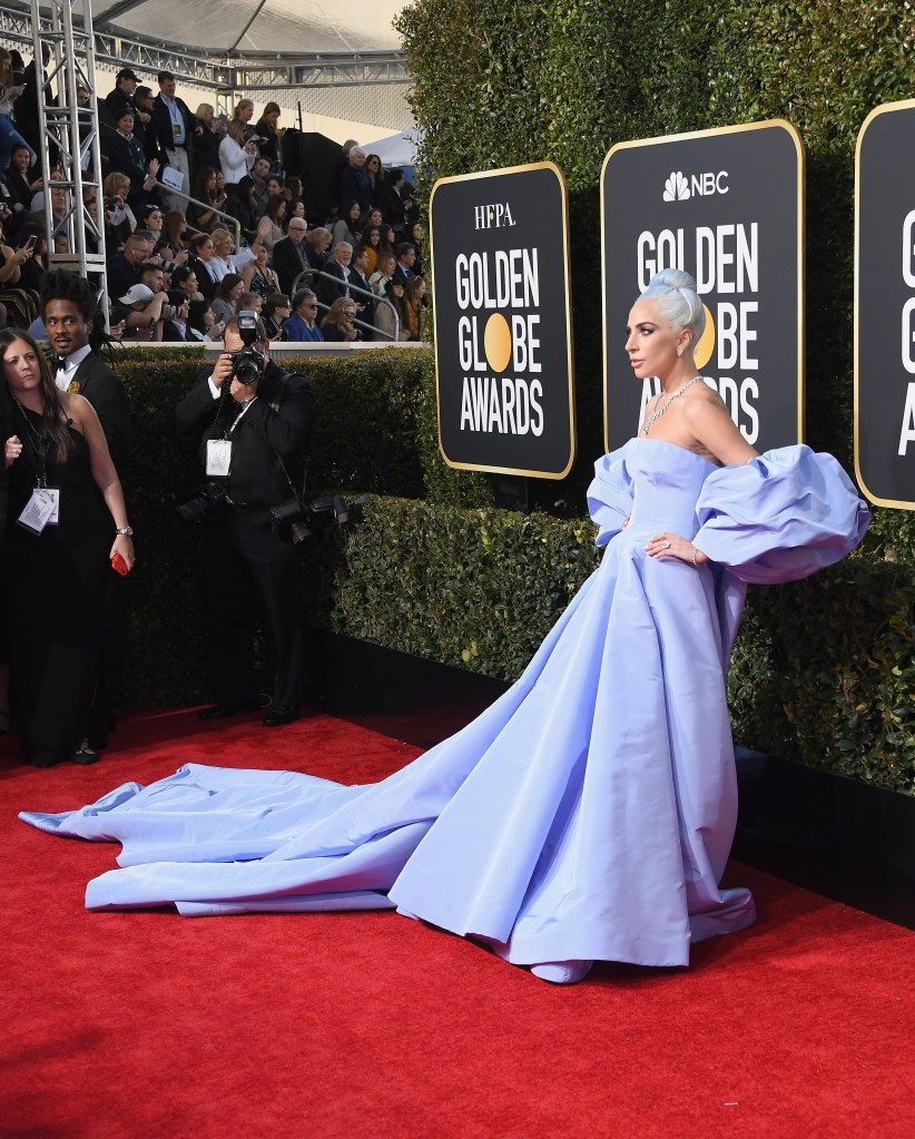 Lady Gaga S Golden Globes 2019 Look See Her Gorgeous Dress