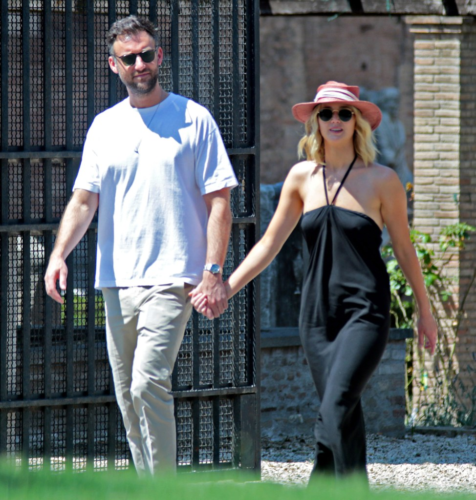 Jennifer Lawrence Marries Cooke Maroney In Intimate Ceremony