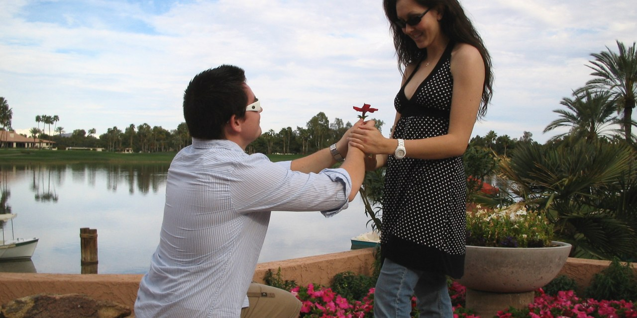12 Signs to Know If He Is Going to Propose You! - Life and
