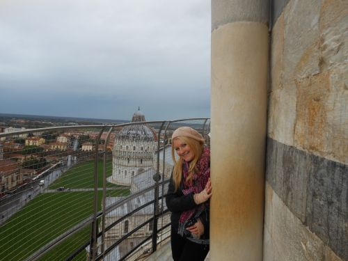 view leaning tower of pisa