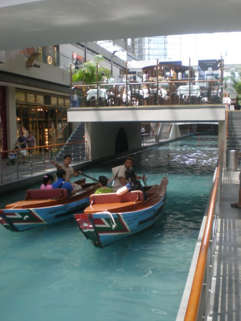 Shopping mall Singapore