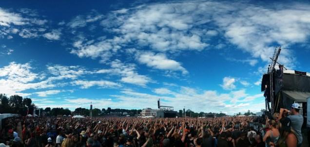 Cypress Hill crowd