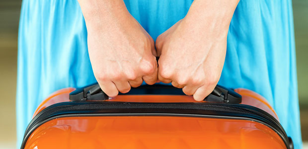 Jak zabezpieczyć walizkę do samolotu