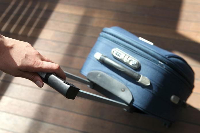 Czym różnią się w samolocie bagaż podręczny i rejestrowany?