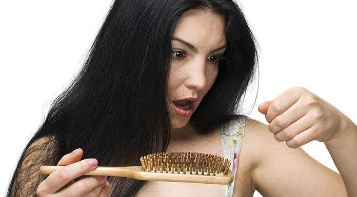 Jak walczyć z wypadaniem włosów