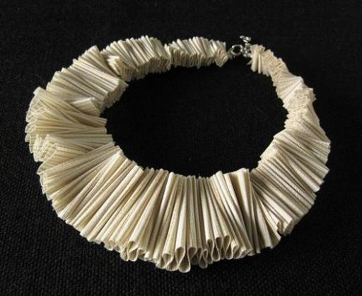 textile-necklace