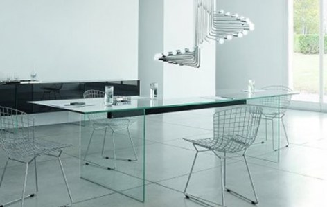 transparent-glass-table