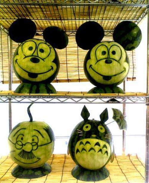 fruit-carving-mickey
