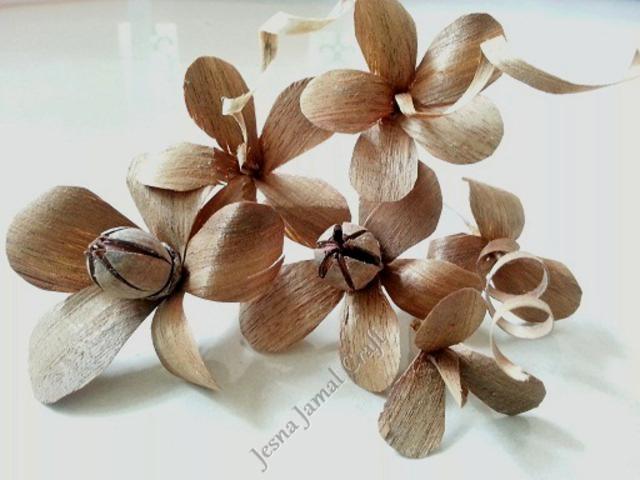 wood-flowers-bouquet