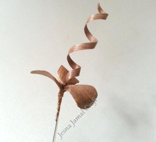 wood-flower-making