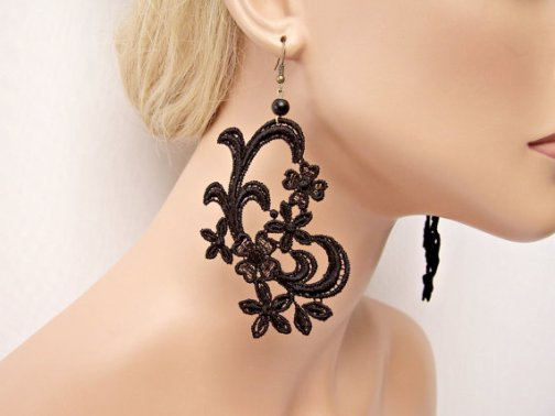 lace-jewelry