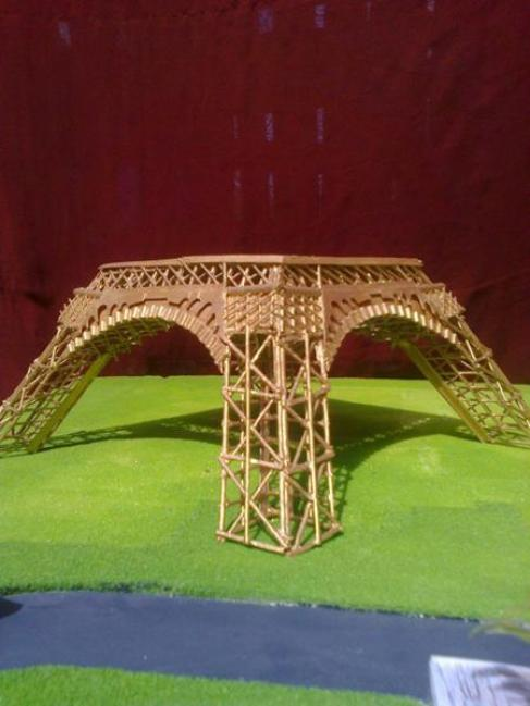 Eiffel-tower-matchsticks