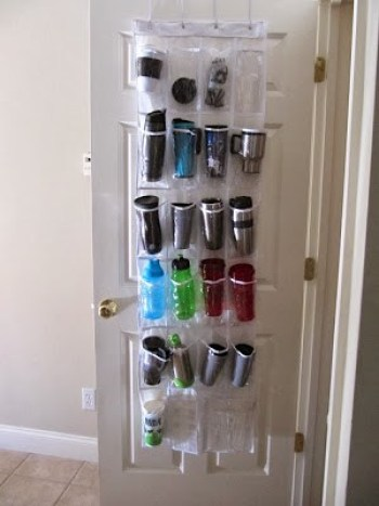 25 ingenious ways to use shoe bags (but not for shoes)! Organize travel mugs or sippy cups.