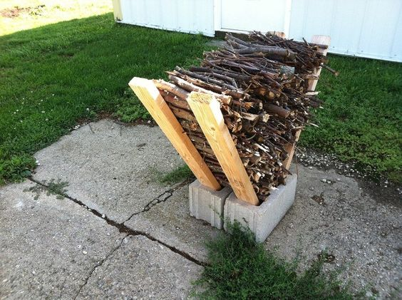 Outdoor decorating - DIY firewood storage