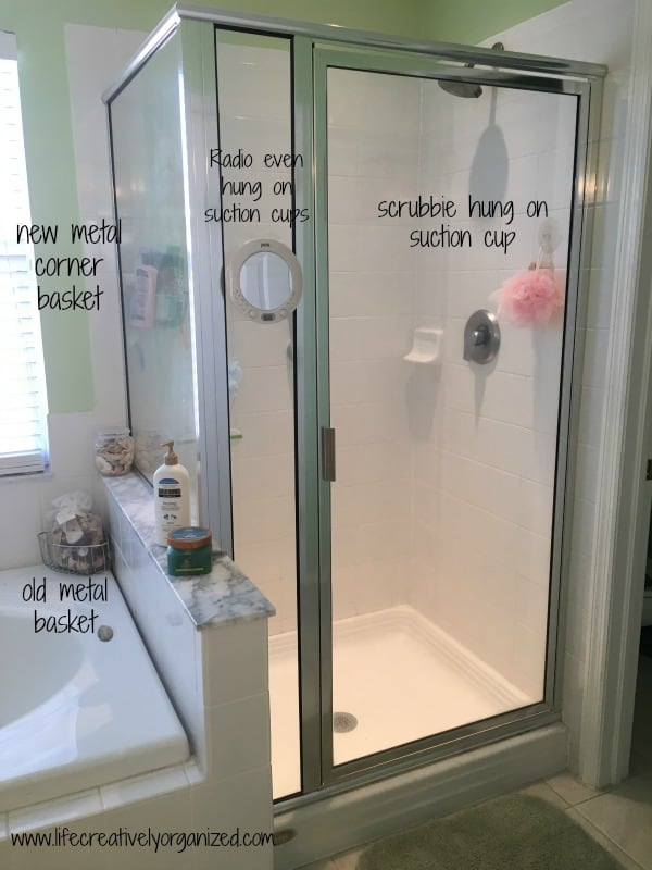 Is everything in your shower lined up all around the edge like some weird set of dominoes? Well, here are 10 great ideas to organize the tub and shower area.