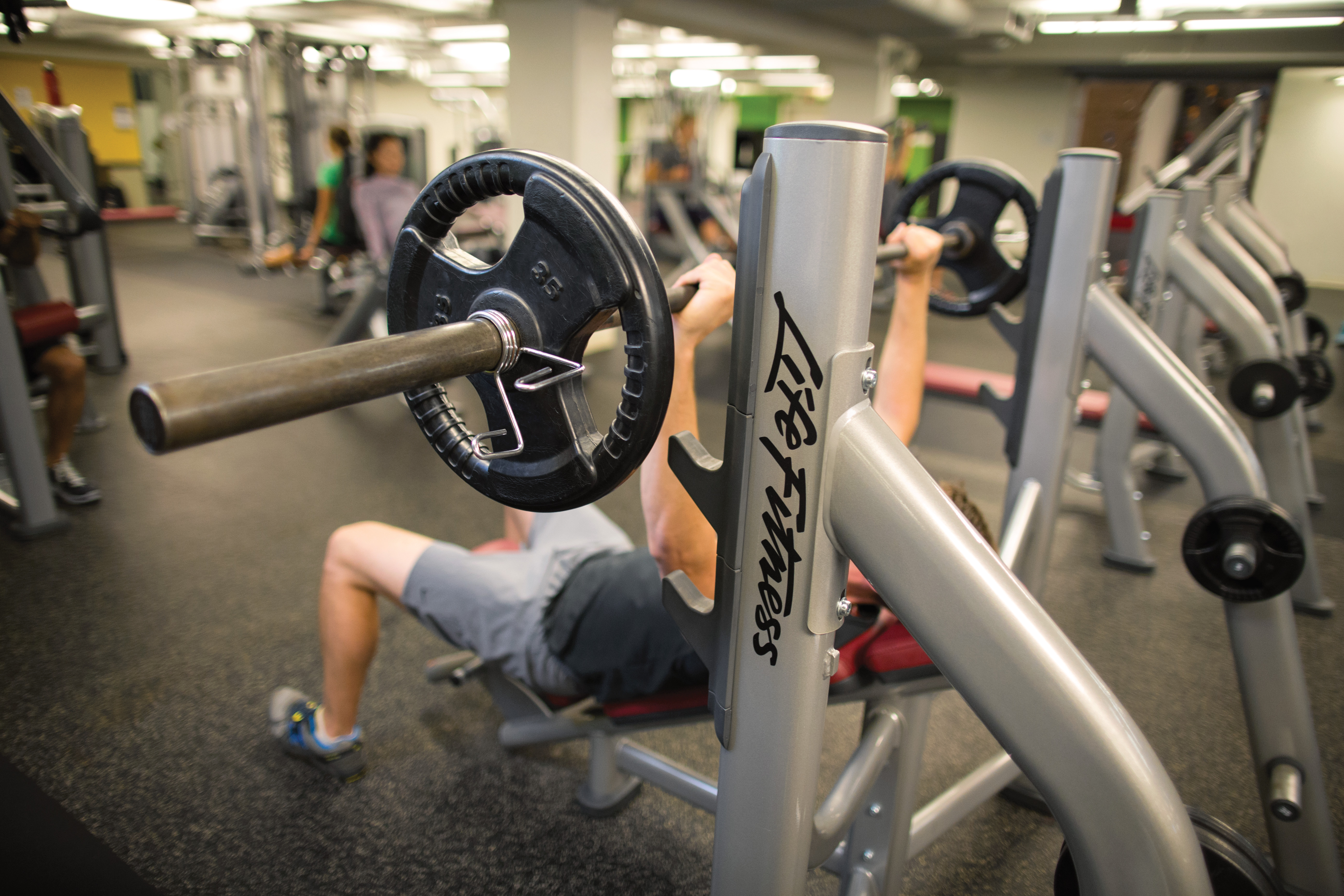 Safety In The Gym 10 Top Tips Life Fitness