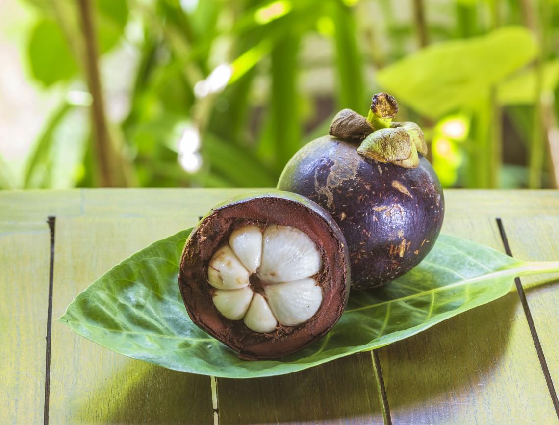 Parte interna del frutto di mangostana © ingimage