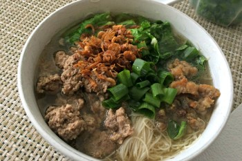 Recipe: Pork Noodles (猪肉粉)