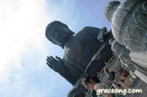 Tien Tan Buddha Statue