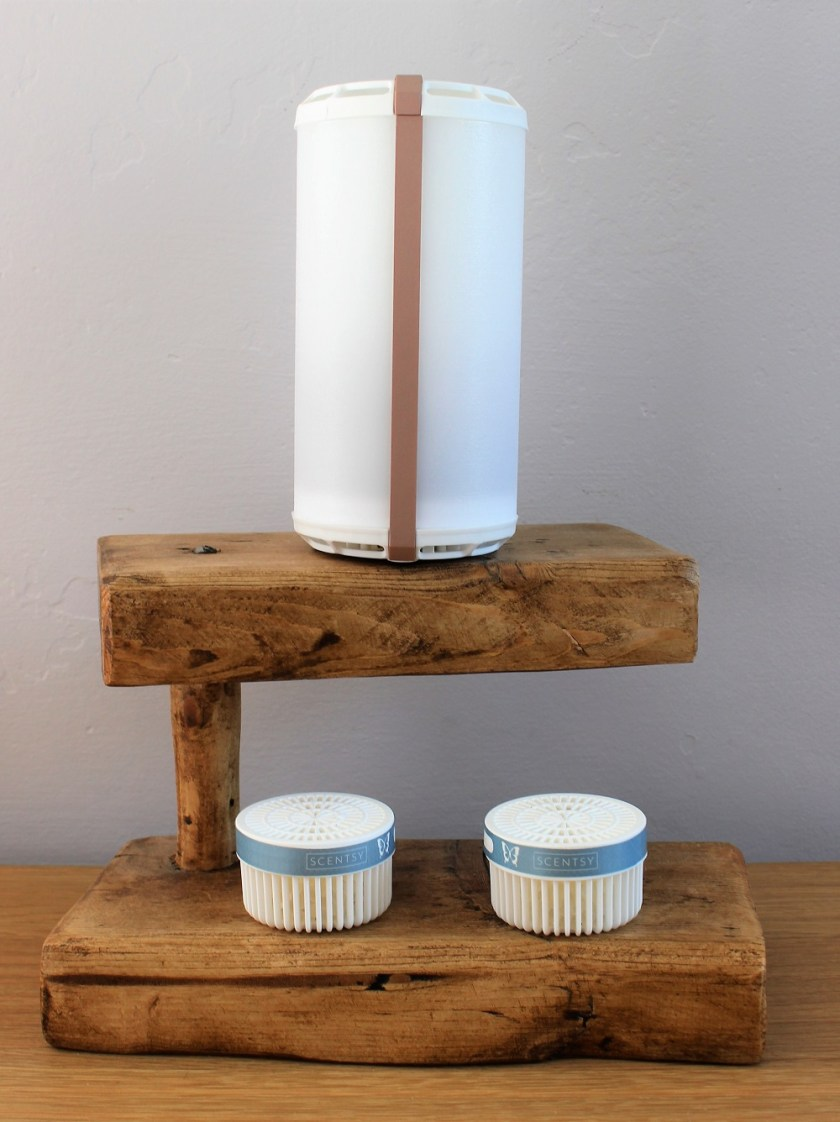 Scentsy Go with Luna Pods