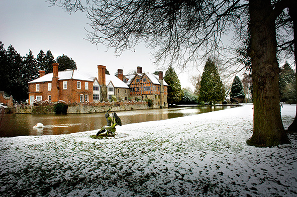 Birtsmorton in Snow - Planning a Last-Minute Winter Wedding
