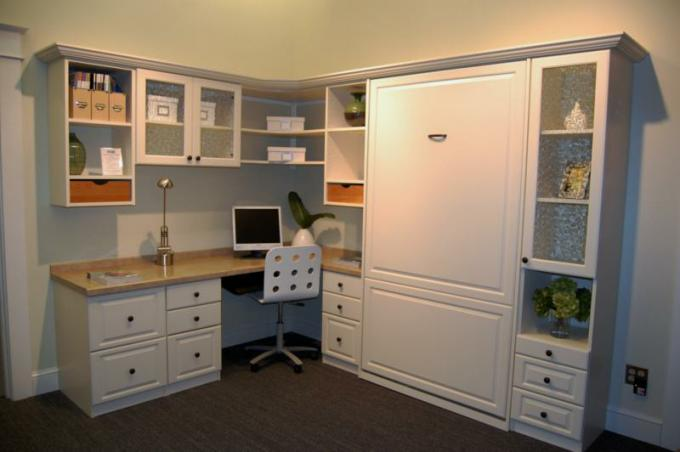 Murphy Bed Guest / Office Area from Closet Solutions