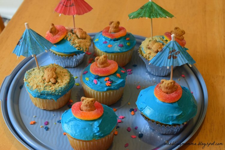Week 81 Featured Post - Summertime Cupcakes - Dabbling Momma