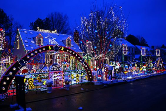 The #RVA Tacky Light Tour