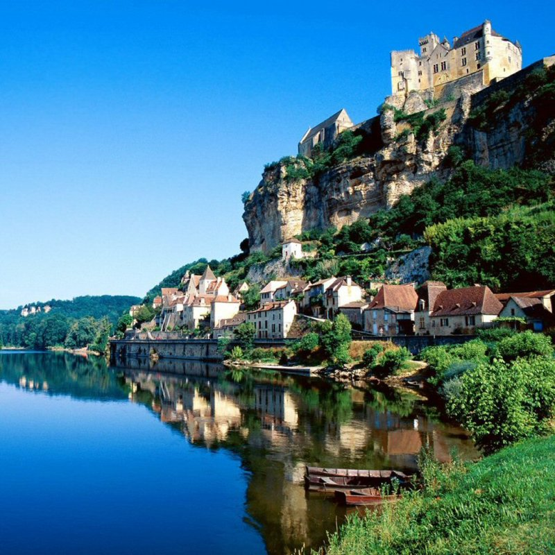 5 Reasons for a Family Vacation in the Dordogne, France