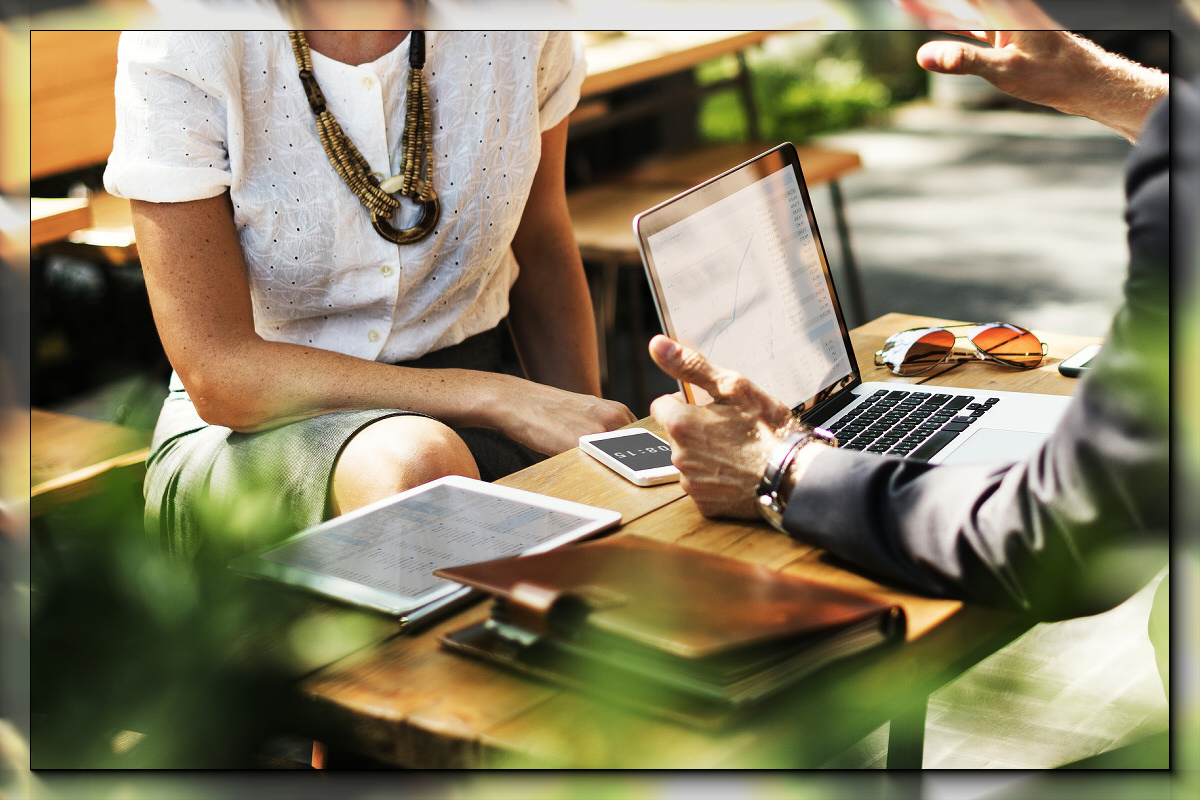 3 Ways to Communicate Efficiently in Business