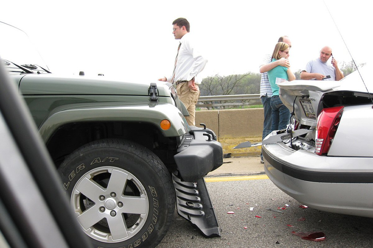 Mistakes People Make After a Car Accident