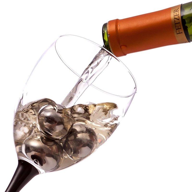 BlizeTec Reusable Wine Cubes and Chilling Stones