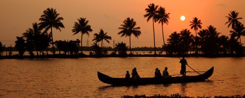 Here's What Makes Alleppey the Perfect Place for a Family Holiday
