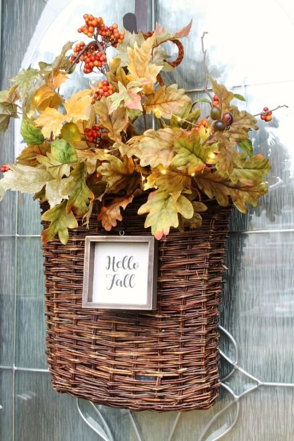 Week 192 - DIY Fall Door Wreath with Lights from Clean and Scentsible