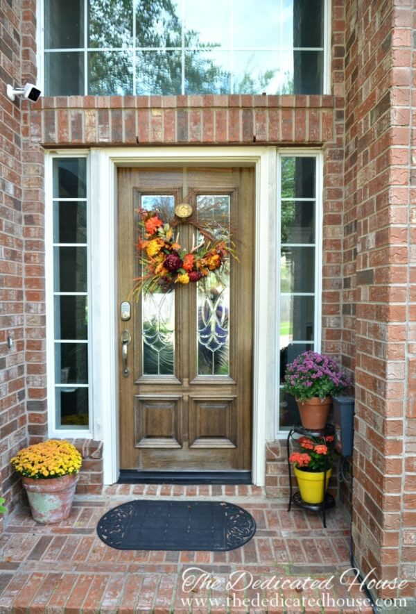 Week 196 - Simple Fall Porch Ideas from The Dedicated House