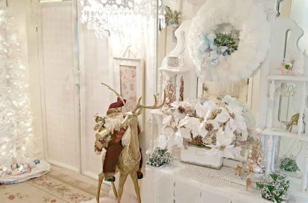 Week 205 - Christmas Entry and Tour from Penny's Treasures