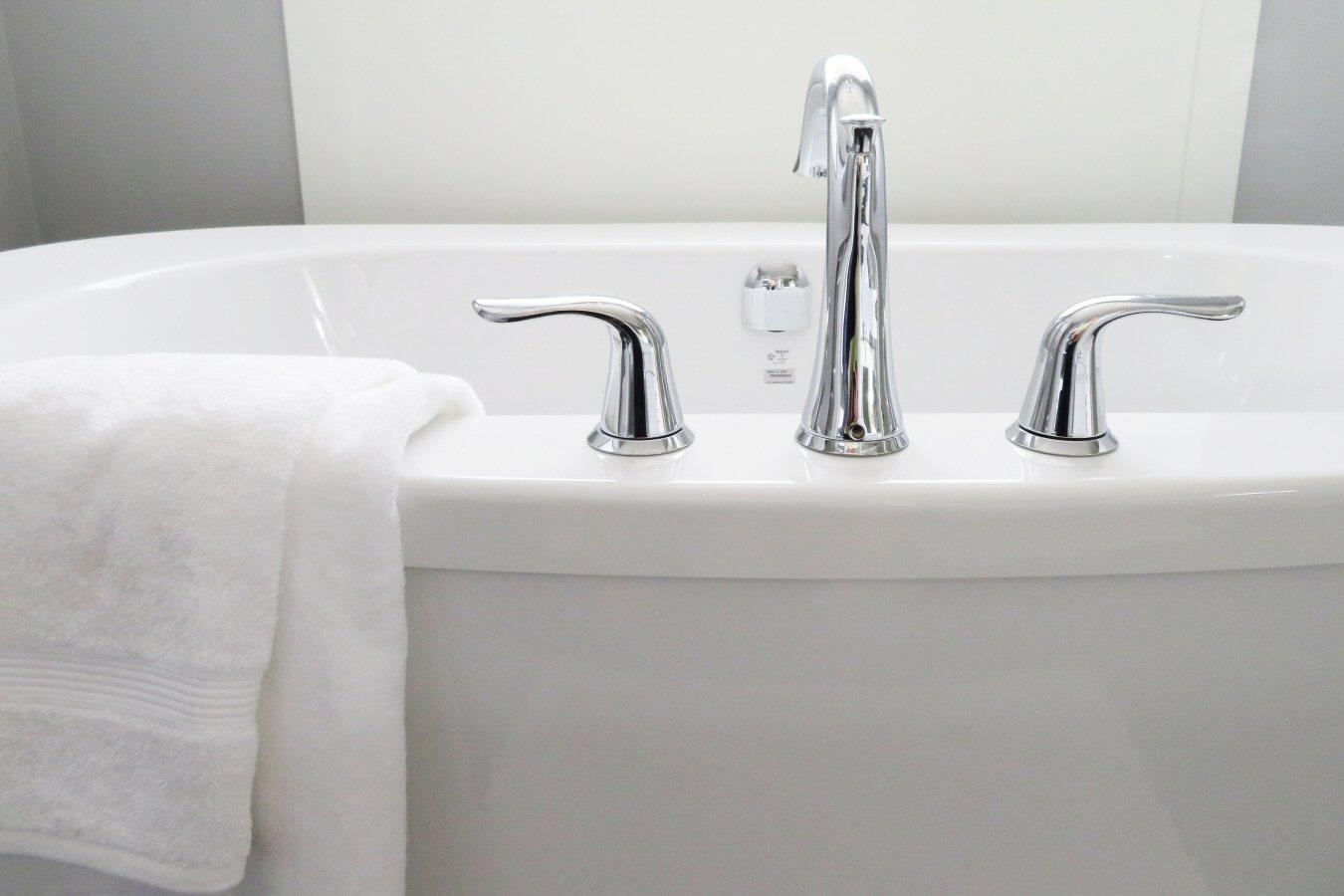 bathtub, faucets, style