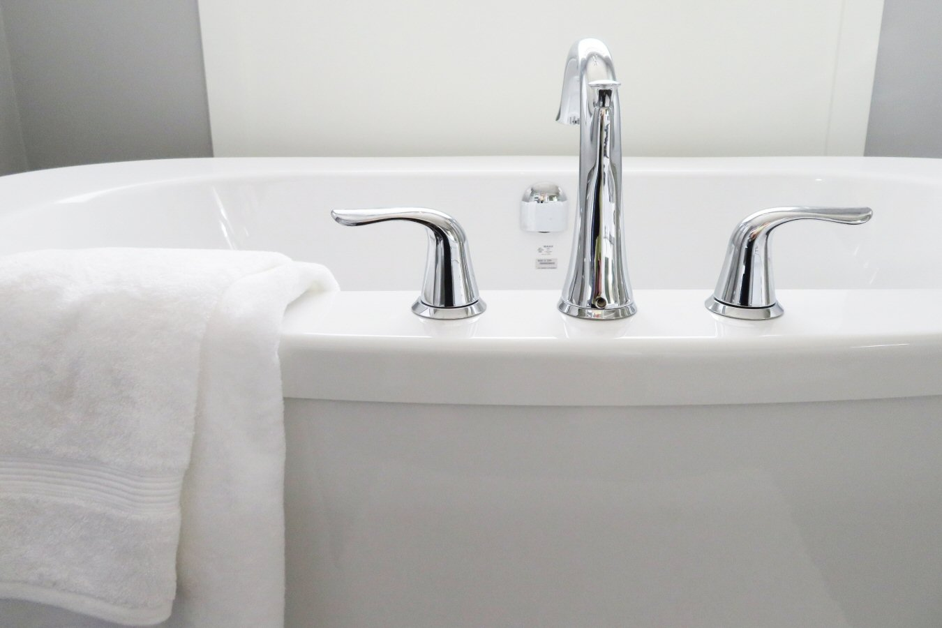 bathtub, faucets, style
