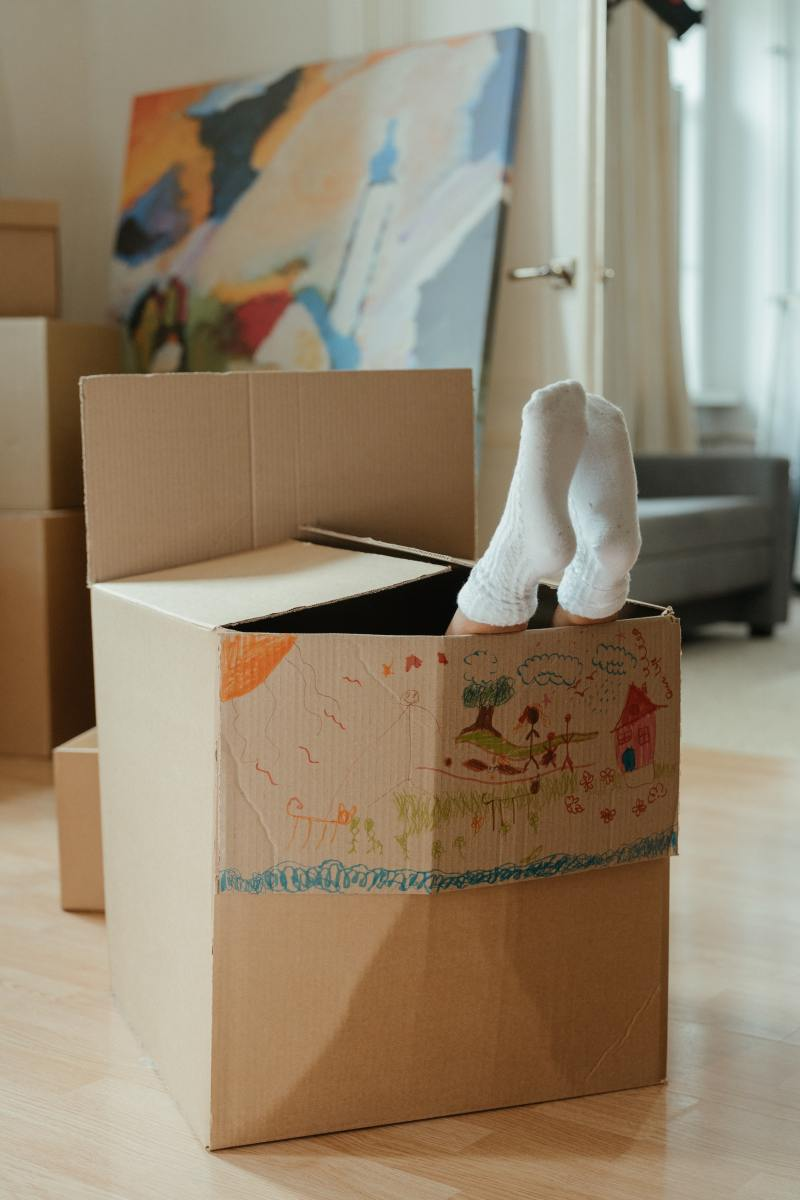 moving boxes feet