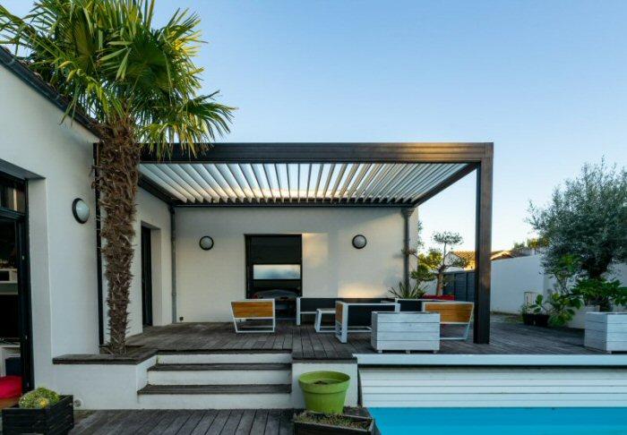 choosing outdoor home furniture